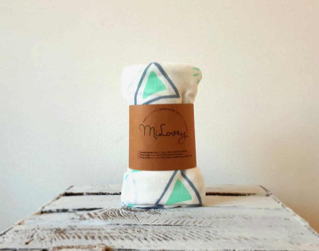 "Bamboo and cotton swaddle blanket ""Harmony"""